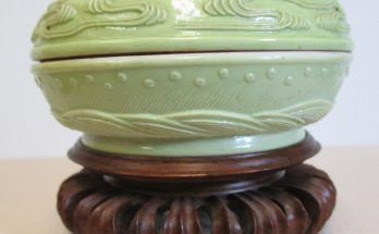 Green glazed porcelain seal paste box