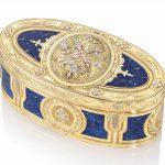 A LOUIS XV ENAMELLED VARI-COLOUR GOLD SNUFF-BOX