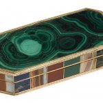 A Gold and Numbered Specimen Hardstone Snuff Box,