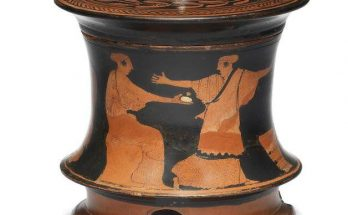 Attic red-figure tripod pyxis